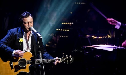 If You Tolerate This James Dean Bradfield with Andy G Jones on lead guitar